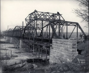 Lowry Avenue Bridge 1905.  Source: City of Minneapolis Flickr